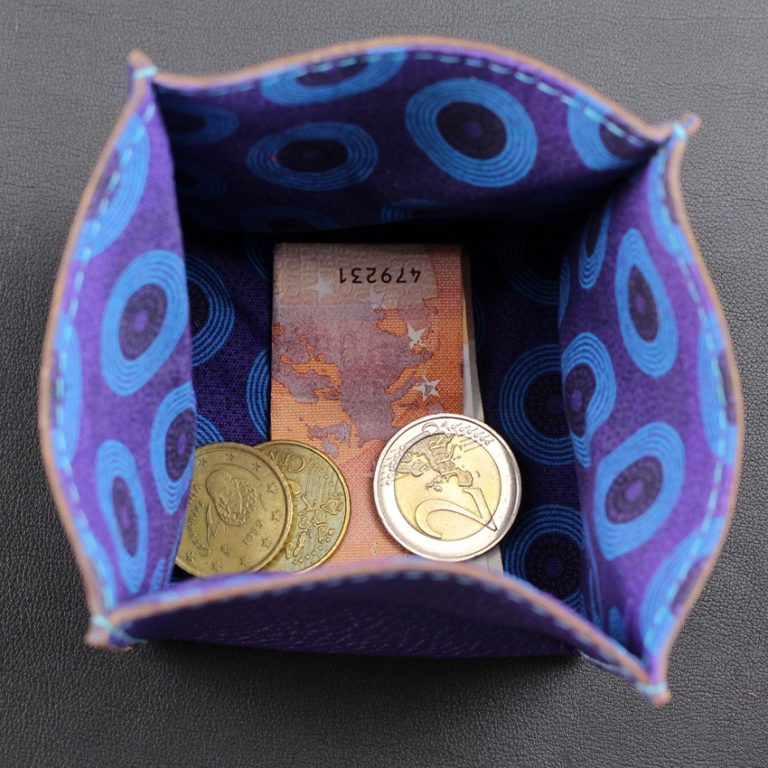 Porte monnaie origami cuir maroquinerie Lyon femme cuir violet accessoire