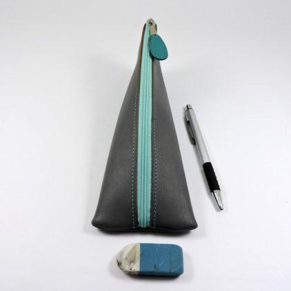 Trousse ecolier berlingot stylos bureau cuir gris