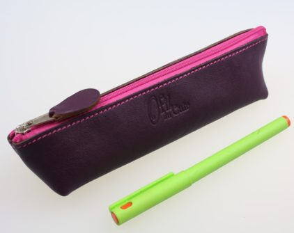 Trousse stylos maquillage cuir maroquinerie Lyon aubergine