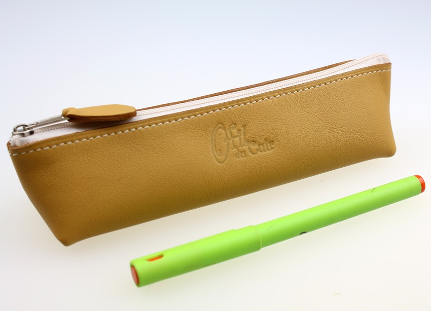 Trousse stylos maquillage cuir maroquinerie Lyon camel