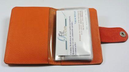Porte carte fidélités bancaire visites maroquinerie Lyon cuir orange accessoire