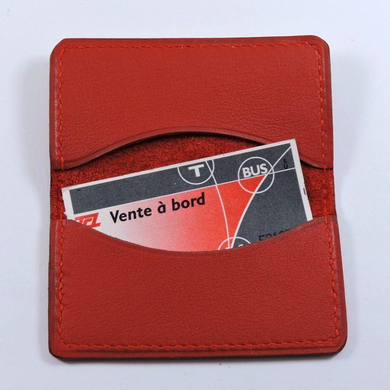 porte ticket cuir metro bus paris lyon maroquinerie rouge accessoire