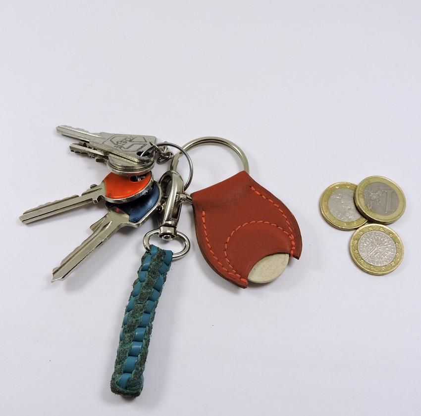 Porte clef cuir jeton caddie bois maroquinerie Lyon fauve