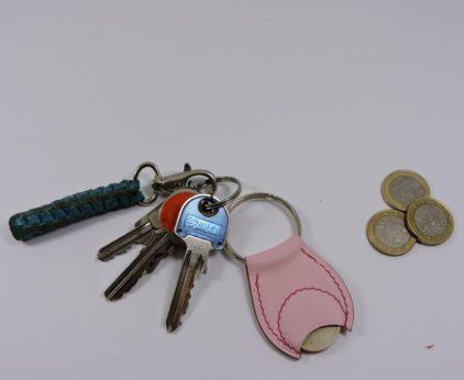 Porte clef cuir jeton caddie bois maroquinerie Lyon rose