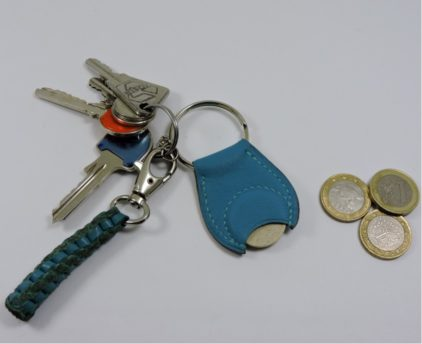 Porte clef cuir jeton caddie bois maroquinerie Lyon bleu turquoise