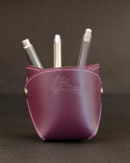 Pot crayons cuir aubergine élégant bureau accessoire ofilducuir