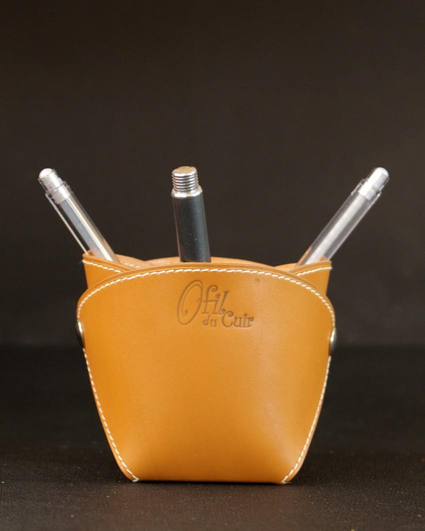 Pot crayons cuir camel élégant bureau accessoire ofilducuir