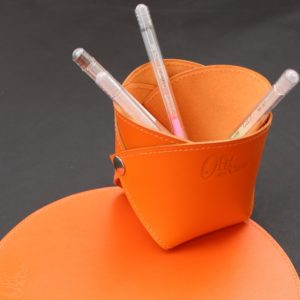 pot-crayon-cuir-orange-maroquinerie-lyon