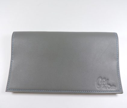 Protège chéquier cuir accessoire maroquinerie Lyon cuir gris