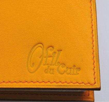 Protège chéquier cuir accessoire maroquinerie Lyon cuir jaune orangé femme
