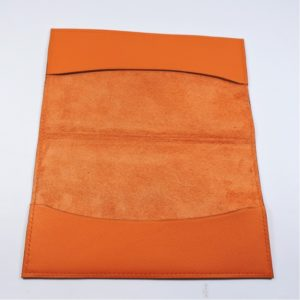Protège chéquier cuir accessoire maroquinerie Lyon cuir orange femme