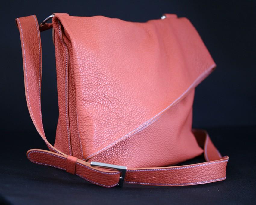 vente chaude réel top design style attrayant Sac à main Véro asymétrique en cuir grainé brique