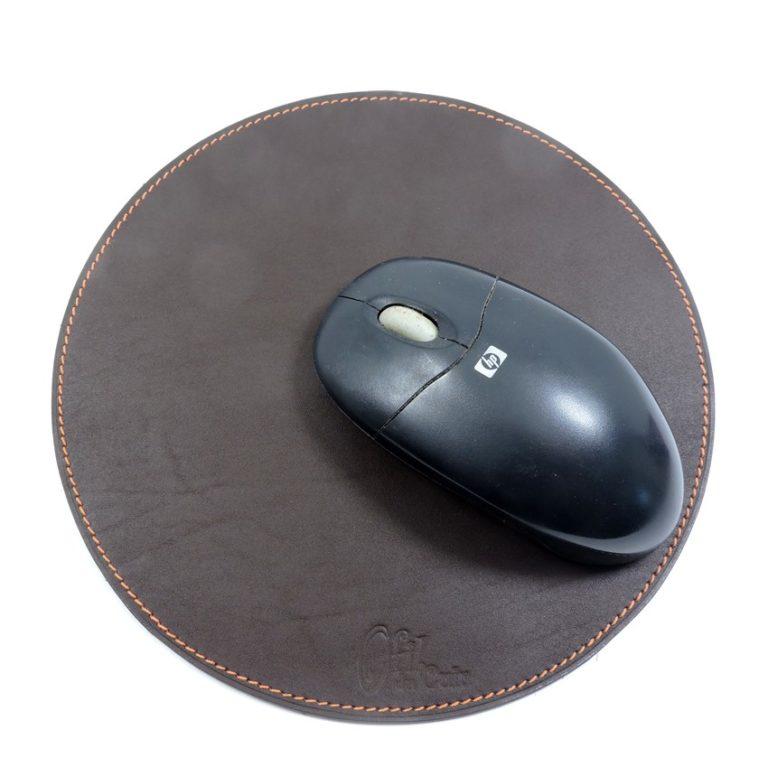 tapis souris ordinateur bureau cuir maroquinerie Lyon marron