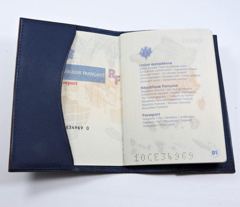 Protège passeport voyage cuir bleu marine maroquinerie