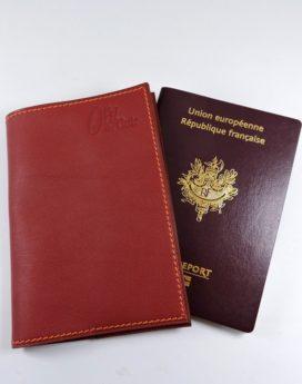 Protège passeport voyage cuir bordeaux