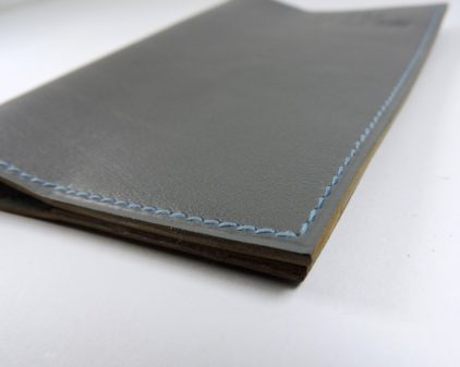 Protège passeport voyage cuir gris maroquinerie Lyon