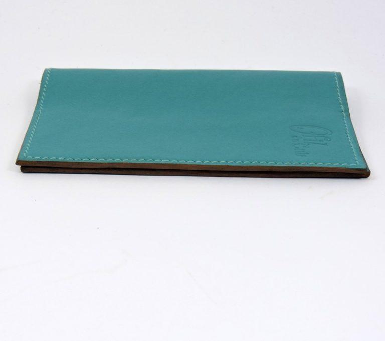 Protège passeport voyage cuir vert maroquinerie Lyon