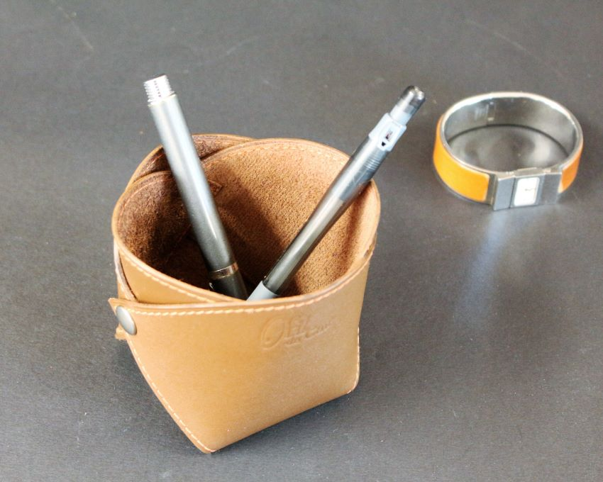 Pot crayons cuir marron accessoires maroquinerie lyon ofilducuir