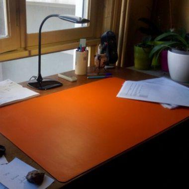 sous main cuir orange bureau maroquinerie lyon